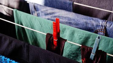 Sprawdzamy, czy pranie ma szansę wyschnąć szybciej w zamrażarce niż w pokojowej temperaturze