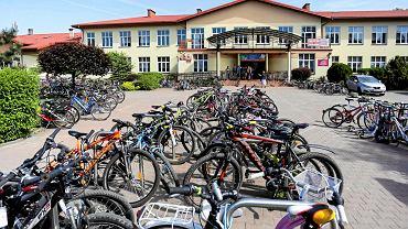 Rowery przed SP nr 47 w Krakowie