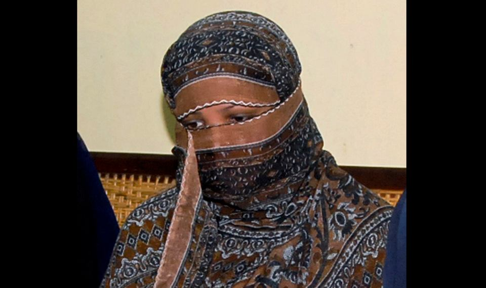 Asia Bibi - najsławniejsza chrześcijanka skazana w Pakistanie za bluźnierstwo, po apelach międzynarodowej społeczności została uniewinniona. Na zdjęciu: podczas przesłuchania w więzieniu niedaleko Lahore, 20 listopada 2010 r.
