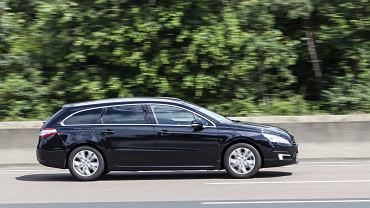 Samochód do 25 tys.? Może to być Peugeot 508 w wersji kombi. Zdjęcie ilustracyjne, Philip Lange/shutterstock.com