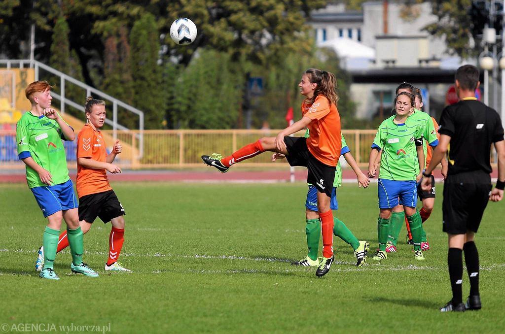 Piłka nożna kobiet. Królewscy Płock - Zamłynie Radom 2:3 (0:2)
