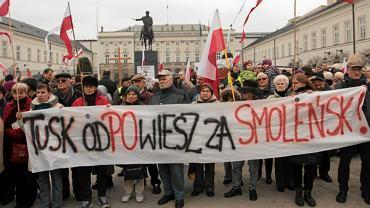10.04.2013 Warszawa, Krakowskie Przedmieście. Obchody trzeciej rocznicy katastrofy smoleńskiej
