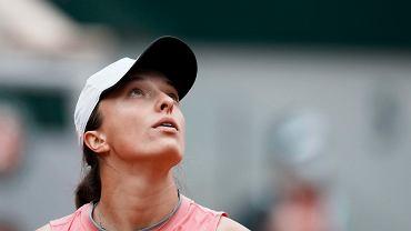 Ekspert tłumaczy, jakim cudem Iga Świątek przegrała 6:4, 0:6, 1:6. Co z Wimbledonem?