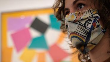 Virus Outbreak Britain Art