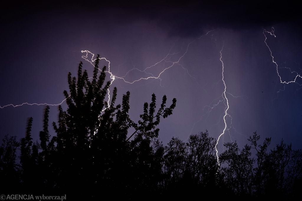 Upały i burze z gradem. IMiGW wydał kolejne ostrzeżenia pogodowe (zdjęcie ilustracyjne)
