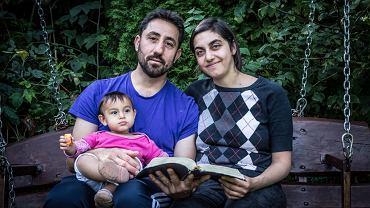 Uchodzcy z Syrii Adnan i Nahla Saad z córką Sarą