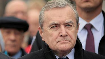 Minister kultury, wicepremier w rządzie PiS Piotr Gliński podczas odsłonięcia pomnika Daszyńskiego. Warszawa 11 listopada 2018