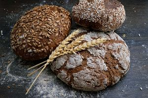 Chleb bezglutenowy, który się nie kruszy i jest smaczny? To w ogóle możliwe?