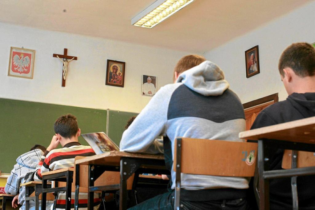 Lekcja religii w szkole (zdjęcie ilustracyjne)