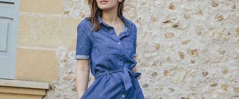 Jeansowe sukienki z wyprzedaży. Maxi z Sinsay kupisz za mniej niż 40 zł. Jest boska!