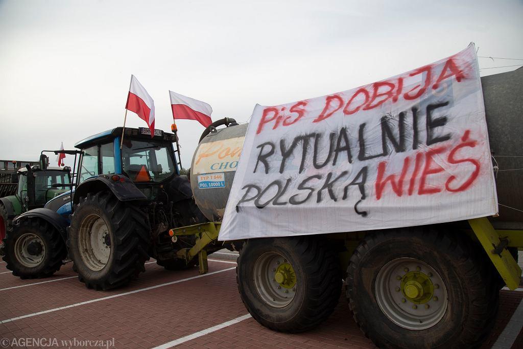 Uwaga kierowcy! Blokady rolników możliwe w Iłży i Grójcu. Trwają protesty w całej Polsce