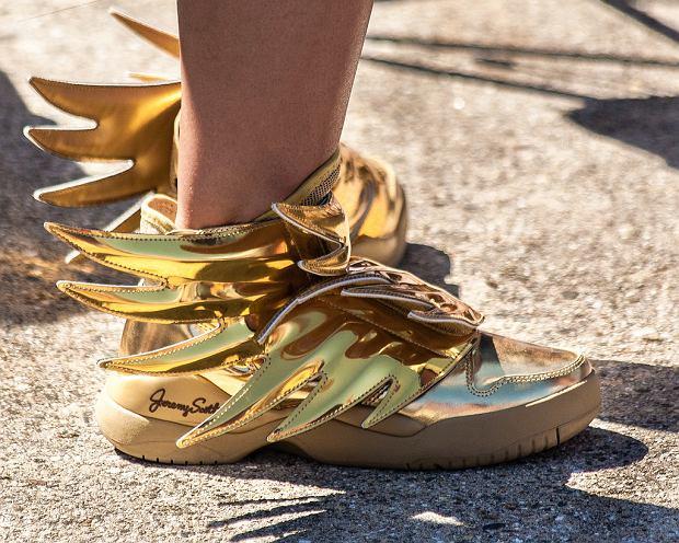 Jeremy Scott zaprojektował dla marki Adidas m.in. słynne buty ze skrzydełkami