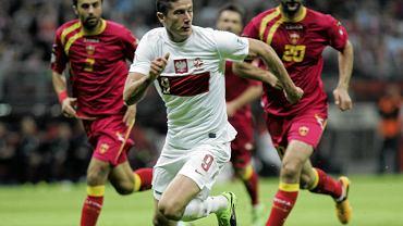 Robert Lewandowski w meczu z Czarnogórą