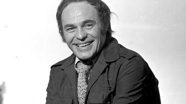 Roman Wilhelmi, choć znany głównie z filmów i seriali, brawurowo realizował się także w teatrze