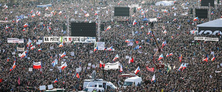 Ćwierć miliona Czechów wyszło na ulicę. Domagają się dymisji premiera