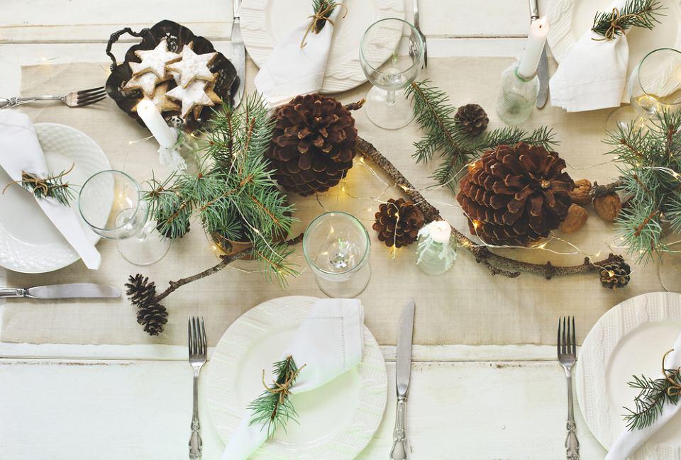 Dekoracja stołu wigilijnego wcale nie jest trudna - z tym zadaniem poradzą sobie nawet najmłodsi