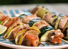 Witaminy z grilla - szaszłyki z łososiem i warzywami  - ugotuj