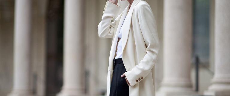 Piękne i tanie płaszcze na zimę! Ten jasny z Mohito ma w sobie ponadczasową klasę