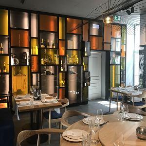 Wnętrze restauracji Pańska 85 nie do końca odpowiada tradycyjnemu wyobrażeniu azjatyckiej restauracji.