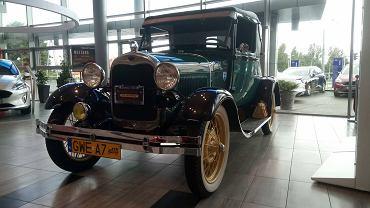 Zabytkowy Ford A w Euro Car