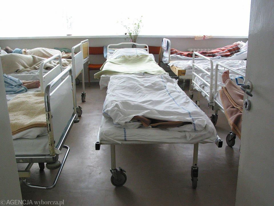 Na oddziałach psychiatrycznych dla dzieci i młodzieży brakuje miejsc. Obłożenie sięga 165 proc.