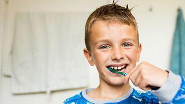 Dlaczego trzeba leczyć próchnicę u małych dzieci