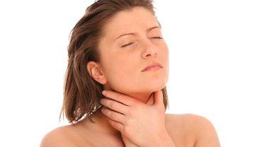 Powiększone węzły chłonne mogą oznaczać przeziębienie, ale i chorobę groźną dla życia