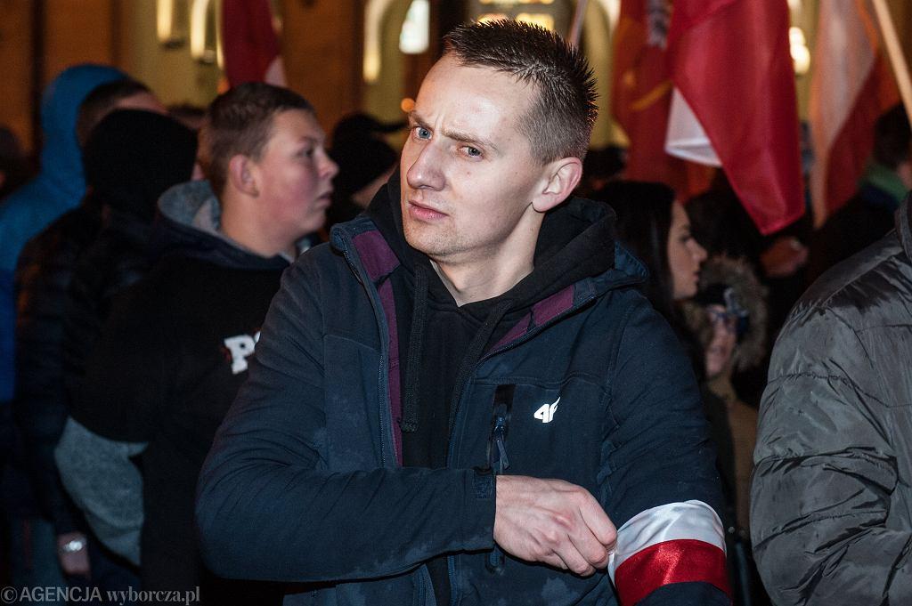 Manifestacja skrajnej prawicy we Wrocławiu. Na zdjęciu były ksiądz Jacek Międlar