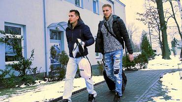 Łukasz Piątek i Łukasz Teodorczyk w drodze na trening Polonii