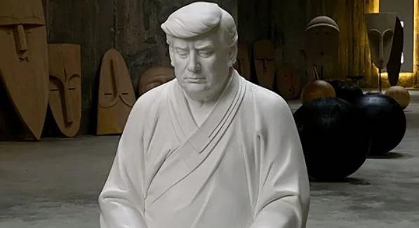 Porcelanowy Donald Trump