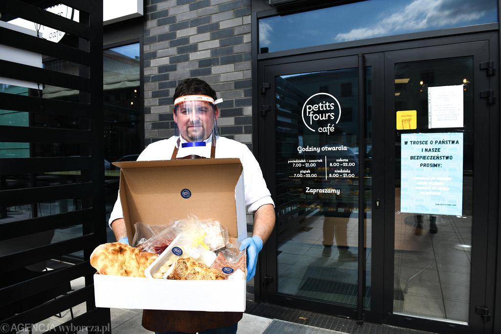 Catering na Wielkanoc we Wrocławiu. Petit Fours Cafe oferuje potrawy na święta