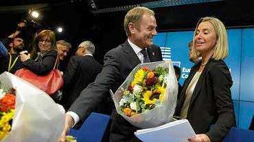 """Przyszły """"prezydent UE"""" Donald Tusk i szefowa europejskiej dyplomacji Federica Mogherini"""