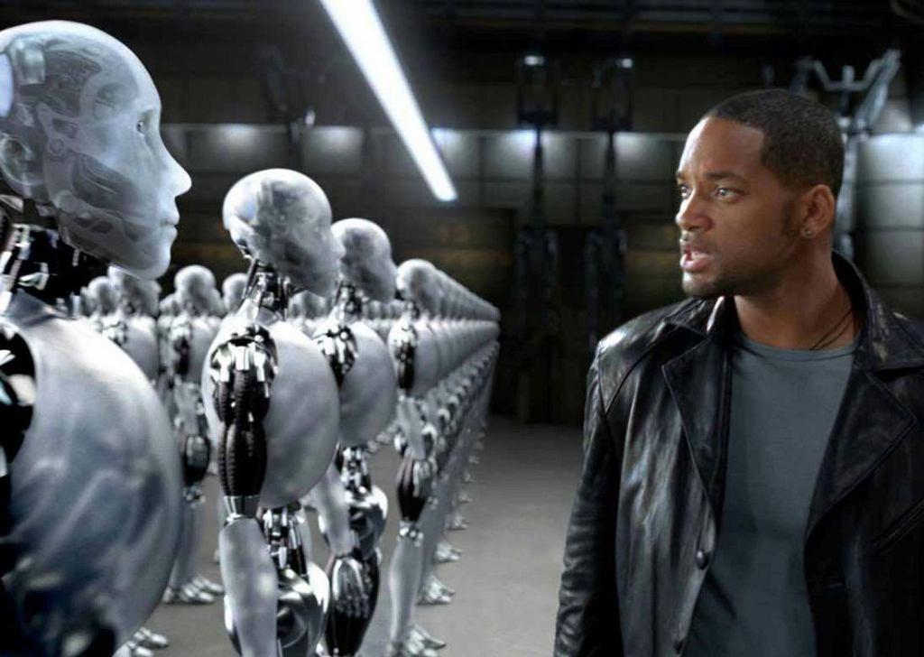 Kadr z filmu 'Ja, robot' z 2004 r.
