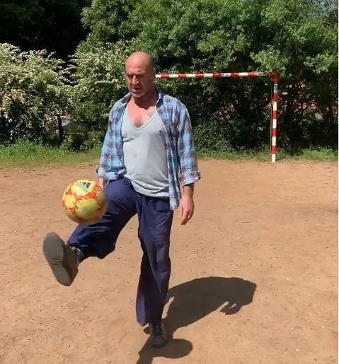 Erik Cantona pomimo 53 lat wciąż imponuje formą