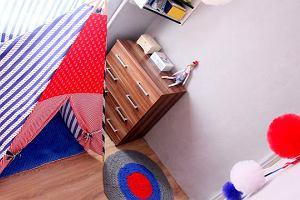 Pokój trzylatka i rodziców w jednym. Niecodzienna metamorfoza
