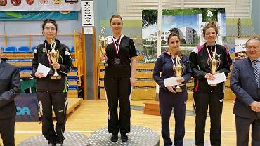 tenis stołowy, Sandra Wabik (na najwyższym stopniu podium)