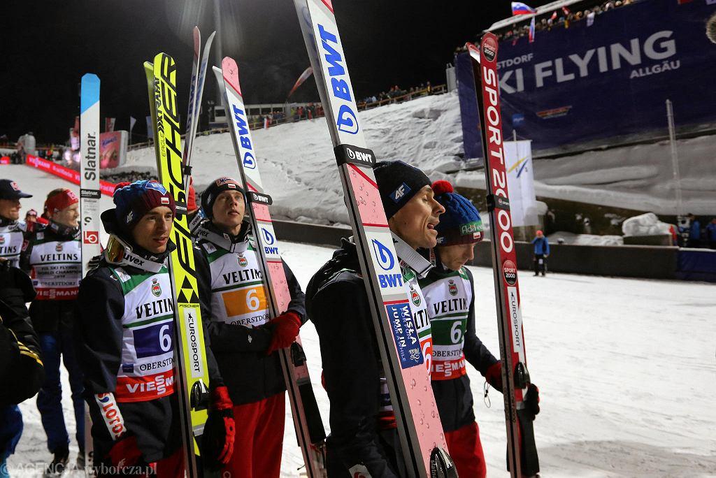 Polska drużyna w składzie Piotr Żyla, Stefan Hula, Dawid Kubacki, Kamil Stoch zdobyła brązowy medal podczas konkursu drużynowego Mistrzostw Świata w Lotach