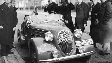 Tadeusz Marek (z lewej) i Fiat 508 jadą na rajd Monte Caro, 1937 r.