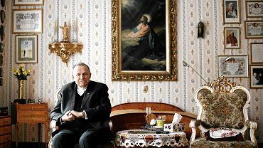 Ks. prałat Henryk Jankowski w swoim mieszkaniu na plebanii kościoła św. Brygidy; Gdańsk, 2010 r.