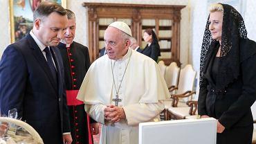 Andrzej Duda z żoną podczas spotkania z papieżem Franciszkiem