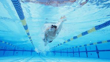 Trening pływacki w triathlonie