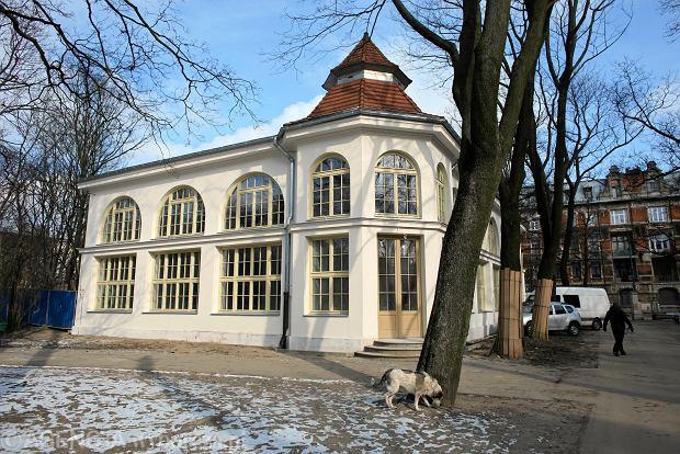 Zdjęcie numer 0 w galerii - Park Sienkiewicza. Muzeum Przyrodnicze prawie gotowe. Tak wygląda po remoncie [ZDJĘCIA]