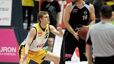 Vlad-Sorin Moldoveanu (z piłką)