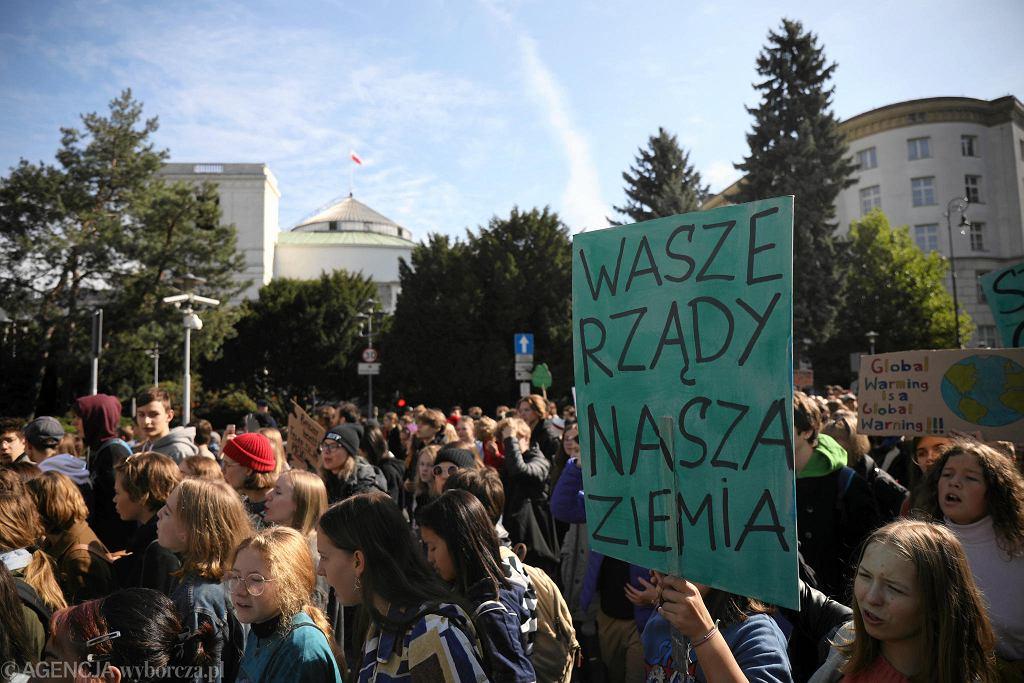 Kryzys klimatyczny. Młodzieżowy Strajk Klimatyczny w Warszawie