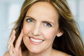 Prezent na Dzień Matki: kosmetyki do skóry dojrzałej. Najlepsze oferty!