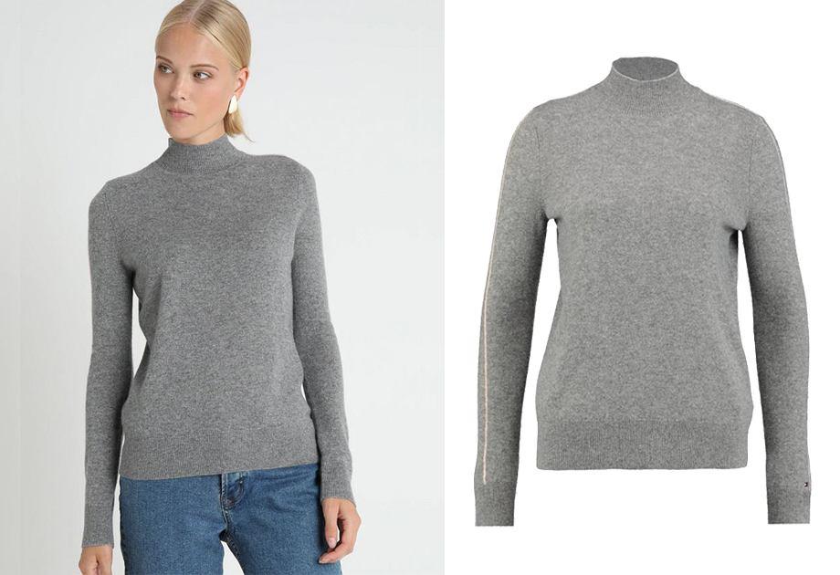 Paski na rękawach sprawiają, że kaszmirowy sweter Tommy Hilfiger ma nieco sportowy charakter