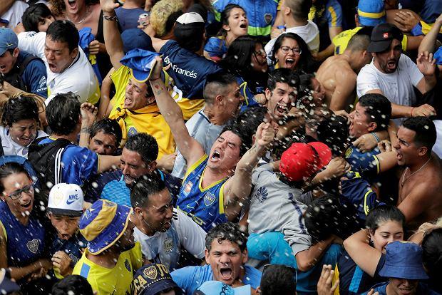 Zdjęcie numer 4 w galerii - River Plate pokonuje Boca Juniors po dogrywce! Bramkarz grający na połowie rywali nie pomógł