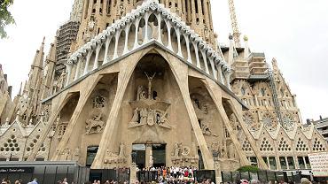 Bazylika Sagrada Familia. Msza w intencji ofiar zamachu w stolicy Katalonii, z udziałem Króla Filipa i Królowej Letycji. Pierwotnie właśnie ta świątynia, symbol miasta, miała być celem ataku. Barcelona, 20 sierpnia 2017