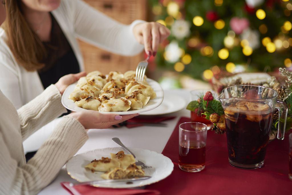 Święta czy rodzinne obiady to doskonałe okazje do tego, by zasiąść przy stole i skosztować różnorodności przygotowanych potraw.