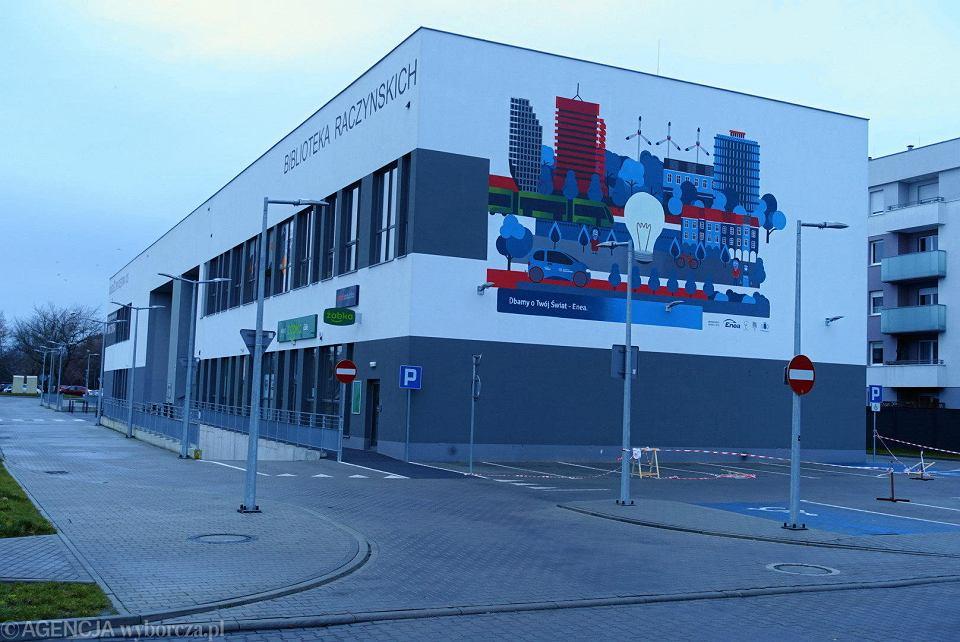 Zdjęcie numer 2 w galerii - Mural z farby, która oczyszcza powietrze. Pierwszy taki w Polsce